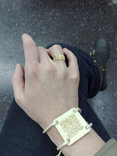 bracelet_qrcode.jpg